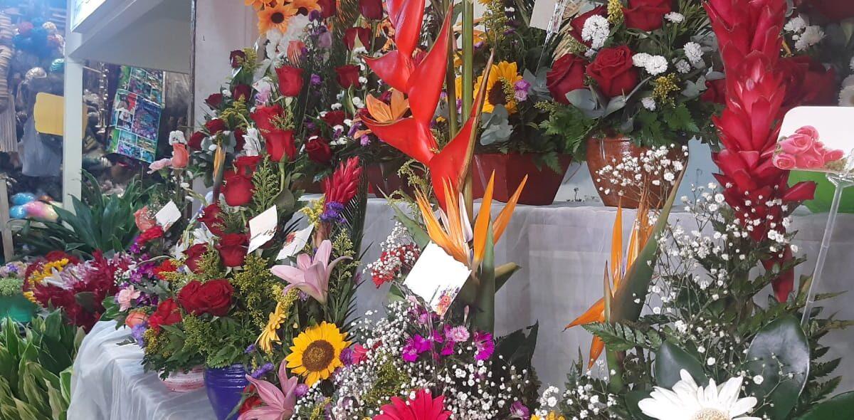 Buenas ventas de flores en el mercado Roberto Huembes