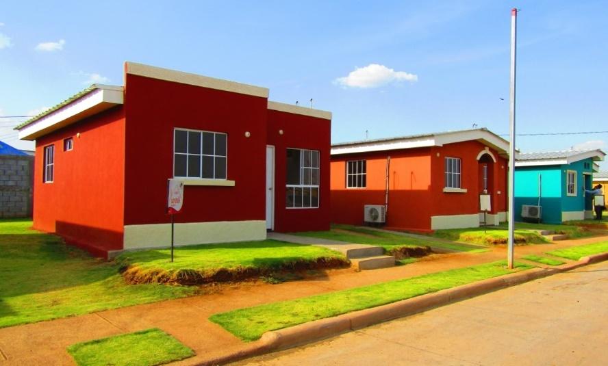 Al menos 8 mil viviendas podrían construirse con préstamo del BCIE