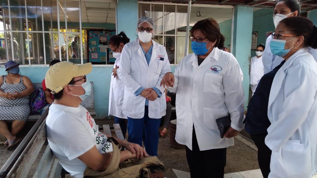 Médicos garantizan atención a la hora de la consulta señalada