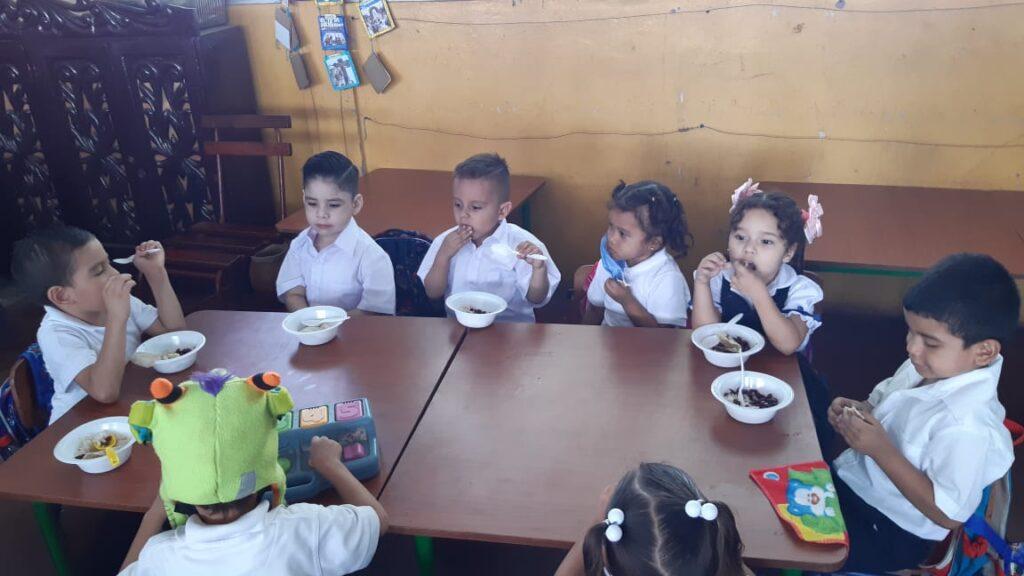 Nicaragua garantiza merienda escolar desde primer día de clases