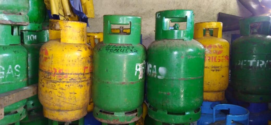 Gas butano mantiene su precio, pero la gasolina regular incrementa hasta en 80 centavos el litro