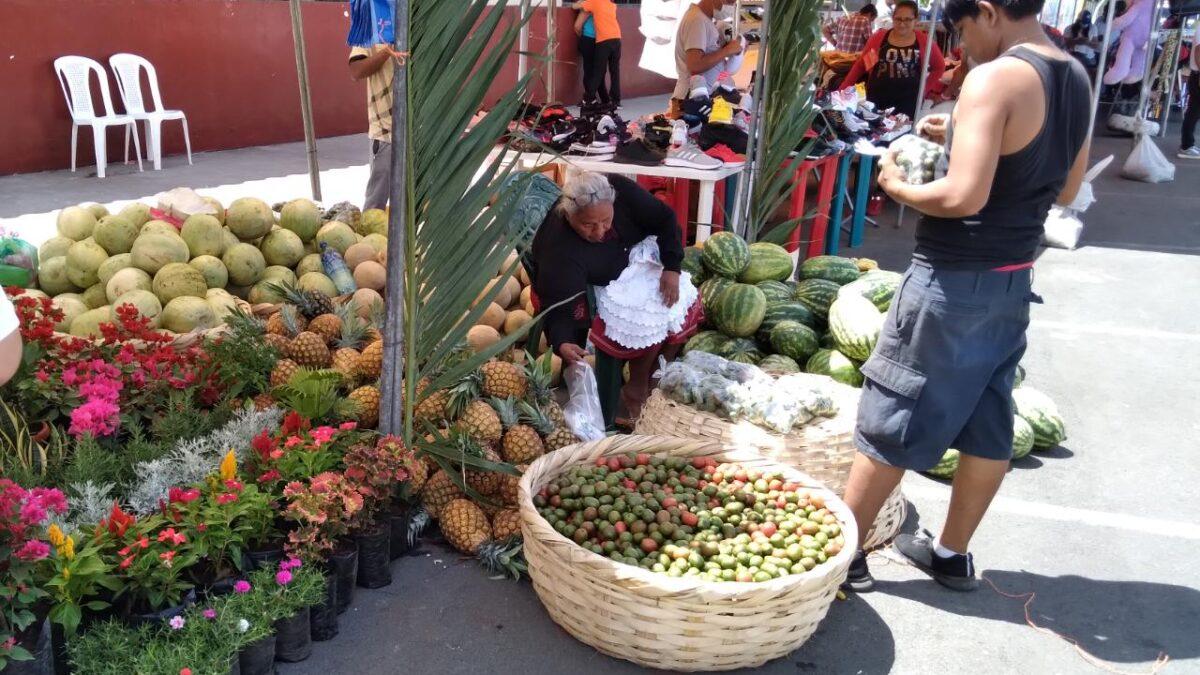 Productos del verano rebajados en la Feria de los Mercados