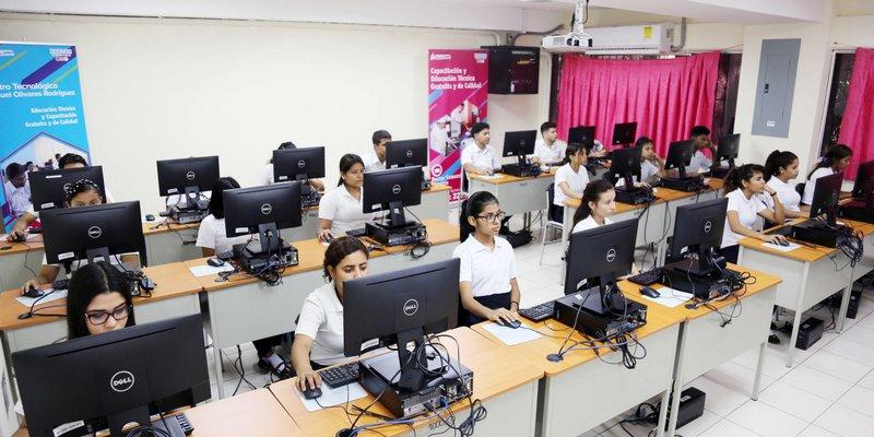Habilitan 25 centros con equipos tecnológicos modernos