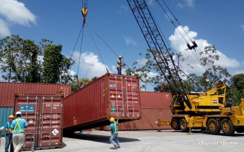 Inaugurarán grúa portica en el Puerto Arlen Siu