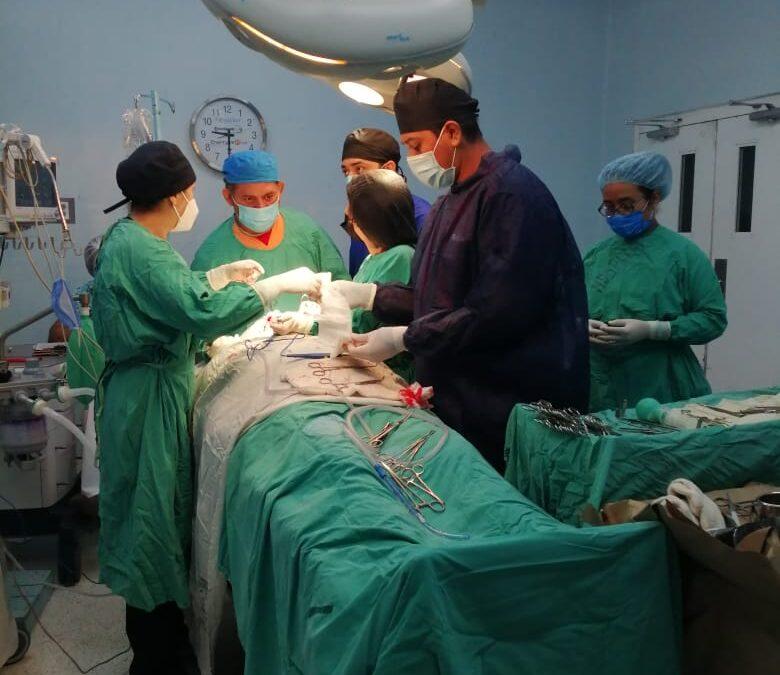 Realizan operaciones gratuitas a pacientes con cáncer en el hospital Manolo Morales