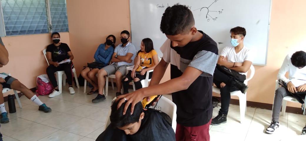 Escuela de oficios de Ciudad Sandino recibe a jóvenes con sed de aprendizaje