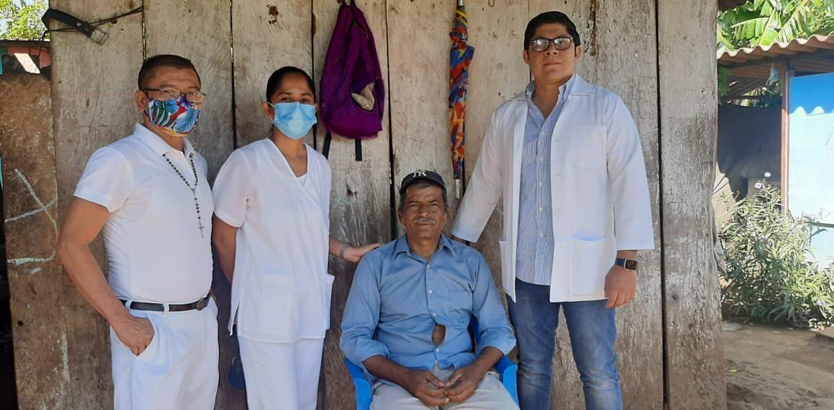 Pacientes vacunados reciben seguimiento