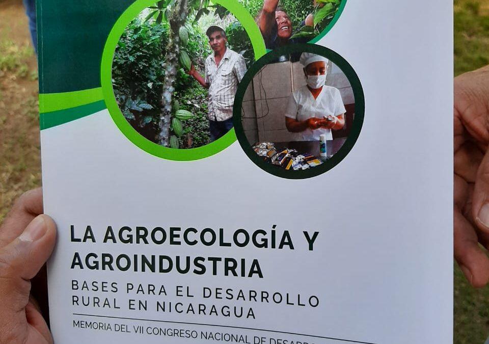 Presentan libro de agroecología y agroindustria para desarrollar la producción sostenible en Nicaragua