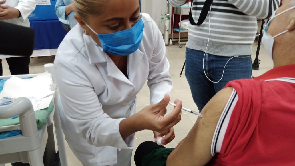Más pacientes renales crónicos se vacunan contra el Covid-19
