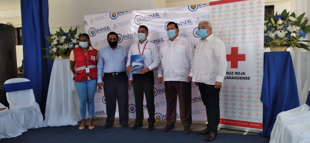 Iniser entrega importante donativo a Cruz Roja Nicaragüense para el Plan Verano 2021