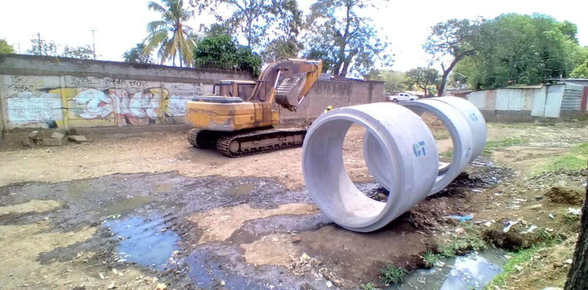 Avanza proyecto de drenaje pluvial en barrio Francisco Salazar