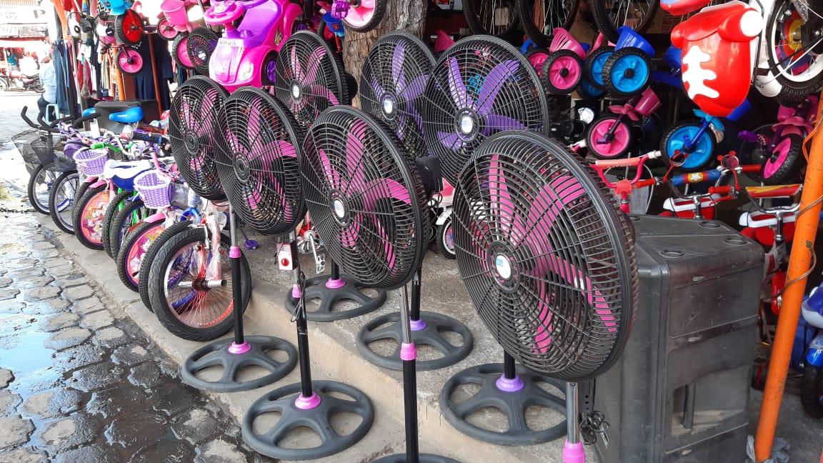 Aumentan ventas de abanicos en Managua