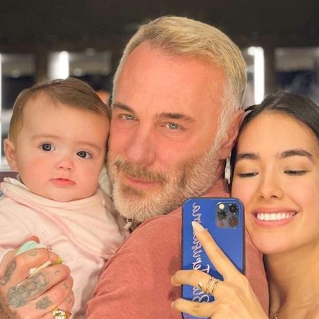 Gianluca Vacchi y Sharon Fonseca comparten foto de su hija tras cirugía de paladar hendido