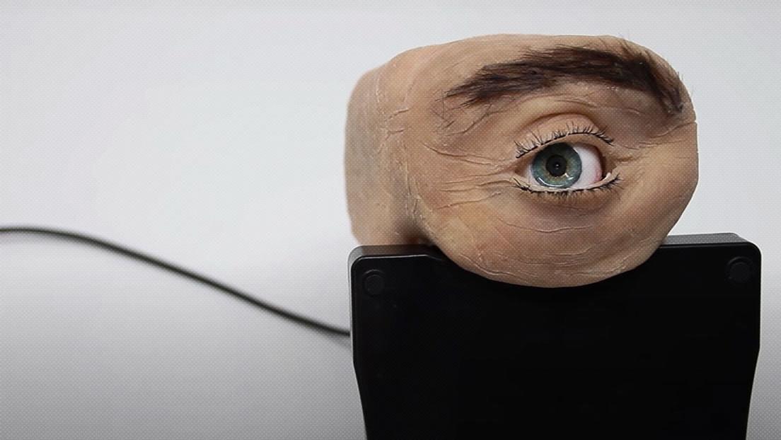 Crean una curiosa cámara web con forma de ojo humano