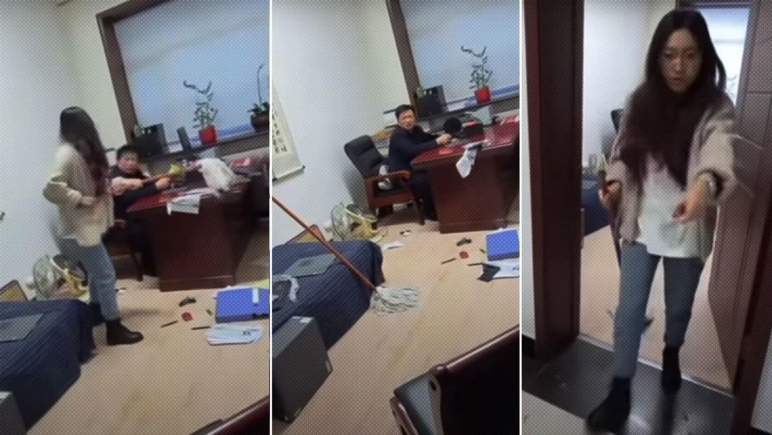 Una mujer golpea con un trapeador a su jefe por haberla acosado sexualmente
