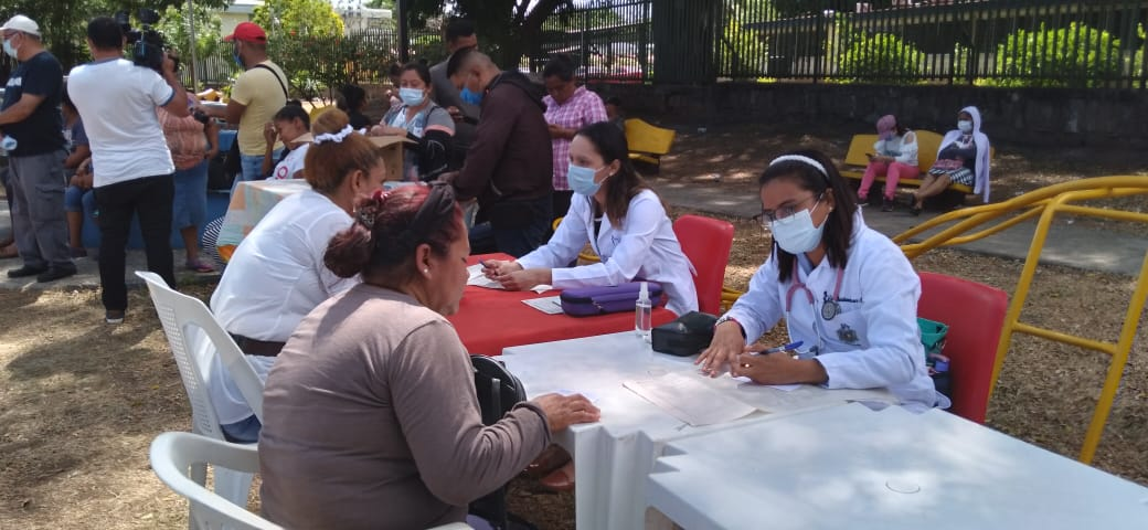 Pobladores de Villa Argentina reciben atenciones médicas gratuitas y de calidad
