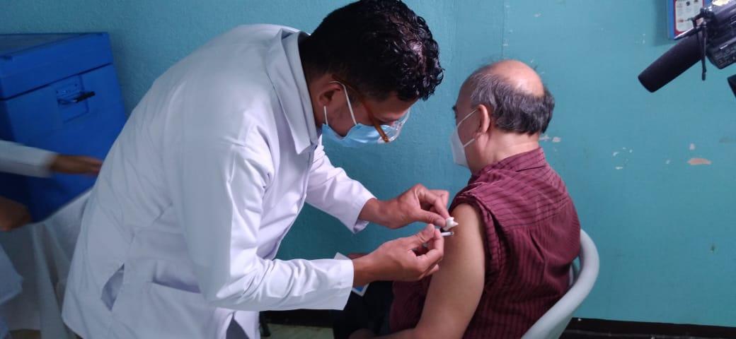 Continúa este sábado y lunes 12 de abril la vacunación voluntaria contra la Covid-19