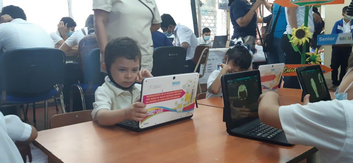 Estudiantes nicaragüenses desarrollan aplicaciones para mejorar aprendizaje