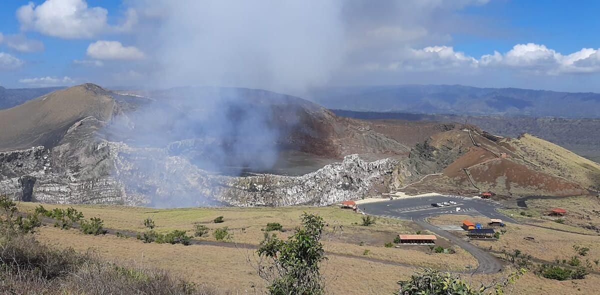 Parque Volcán Masaya continúa siendo un atractivo para hacer senderismo