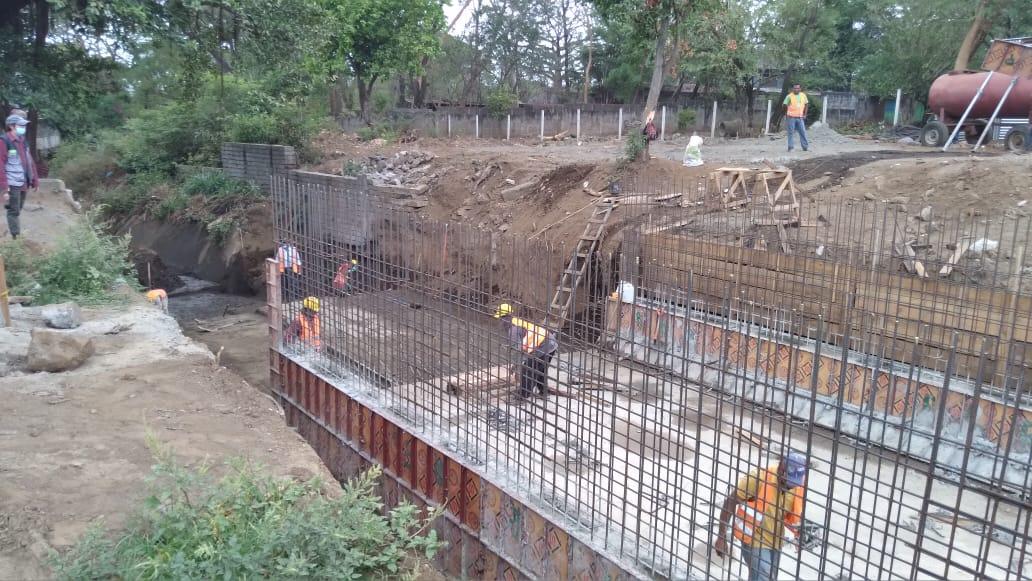 Construyen puente en barrio Pablo Sexto que unirá distrito uno y tres de Managua