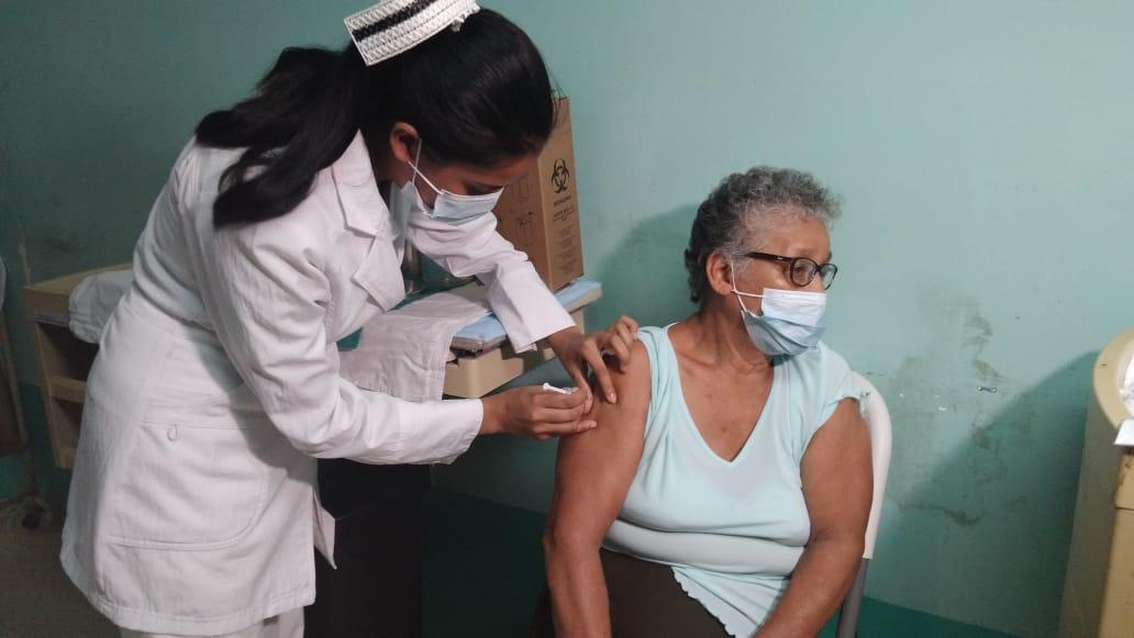 Vacunación contra la Covid-19 avanza poco a poco en toda Nicaragua