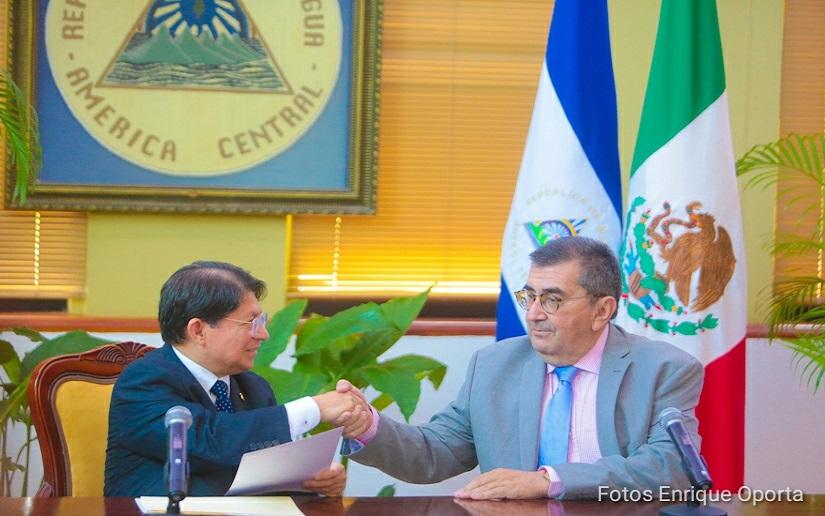 Nuevo embajador de México presenta copias de estilo en Nicaragua