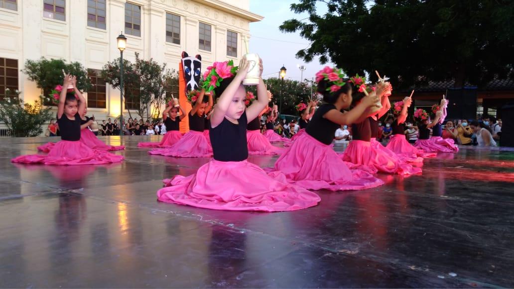 Decenas de estudiantes de la danza participaron en gala artística
