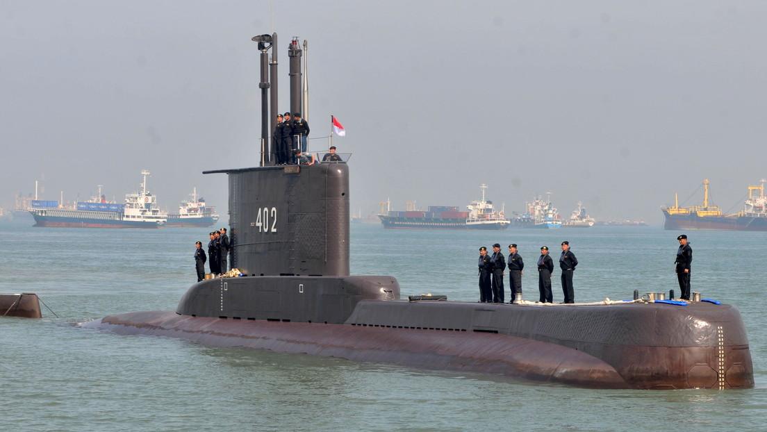 Indonesia: detectan varios objetos del submarino desaparecido con 53 tripulantes