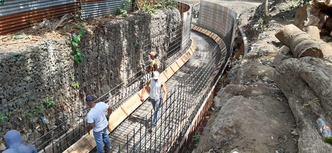 Millonaria inversión para obras de drenaje en el barrio Germán Pomares