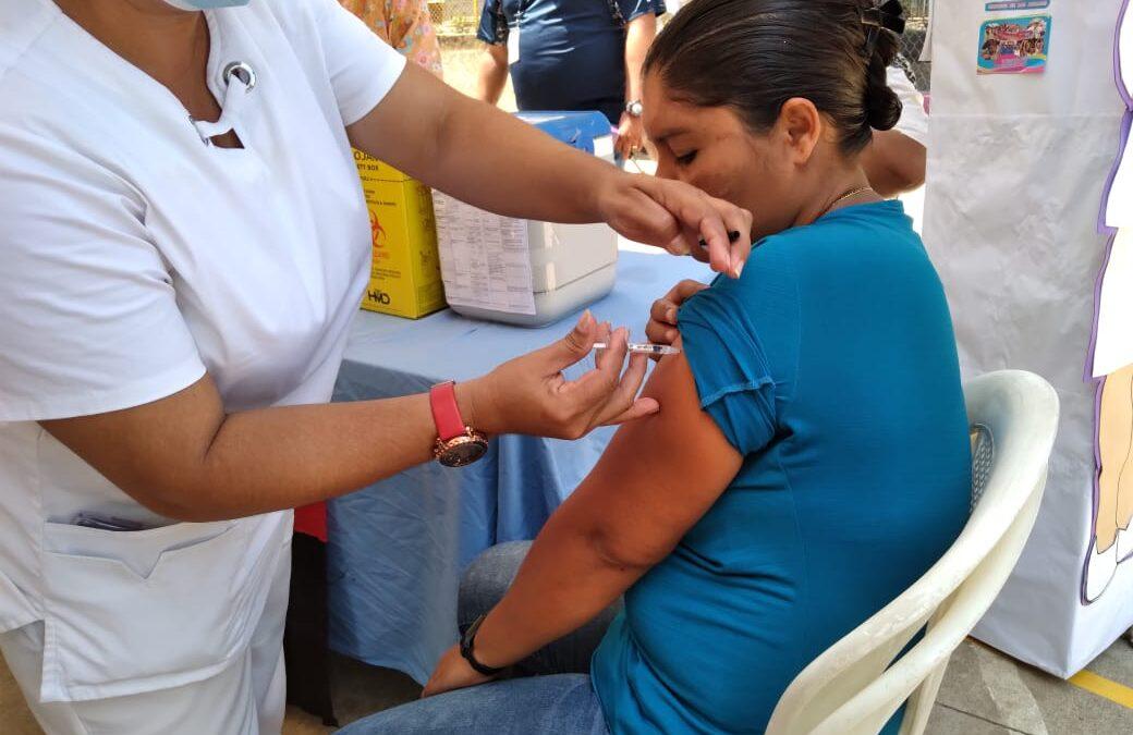 Amplia participación de ciudadanos durante la Jornada Nacional de Vacunación