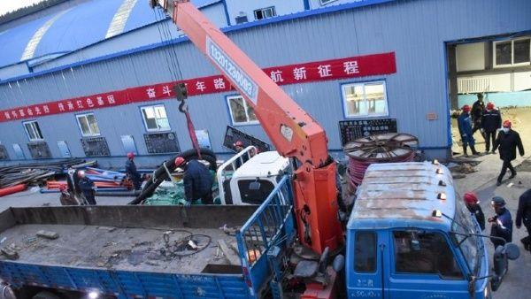 Rescatan a mineros atrapados por inundación subterránea en China