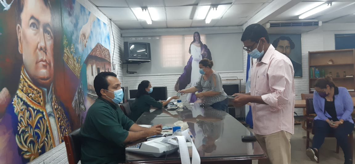 Trabajadores de Nicaragua reciben pago por adelantado pese a la pandemia