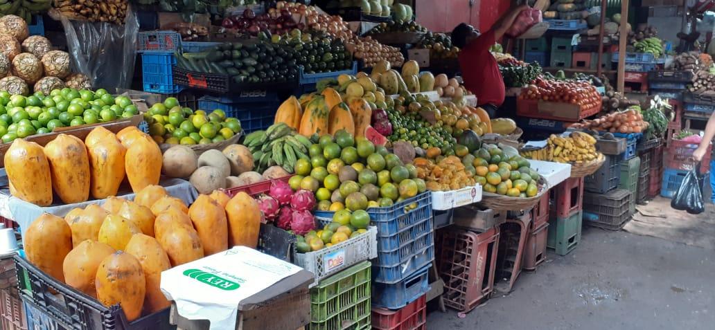 Amplio abastecimiento de frutas y verduras en todos los mercados