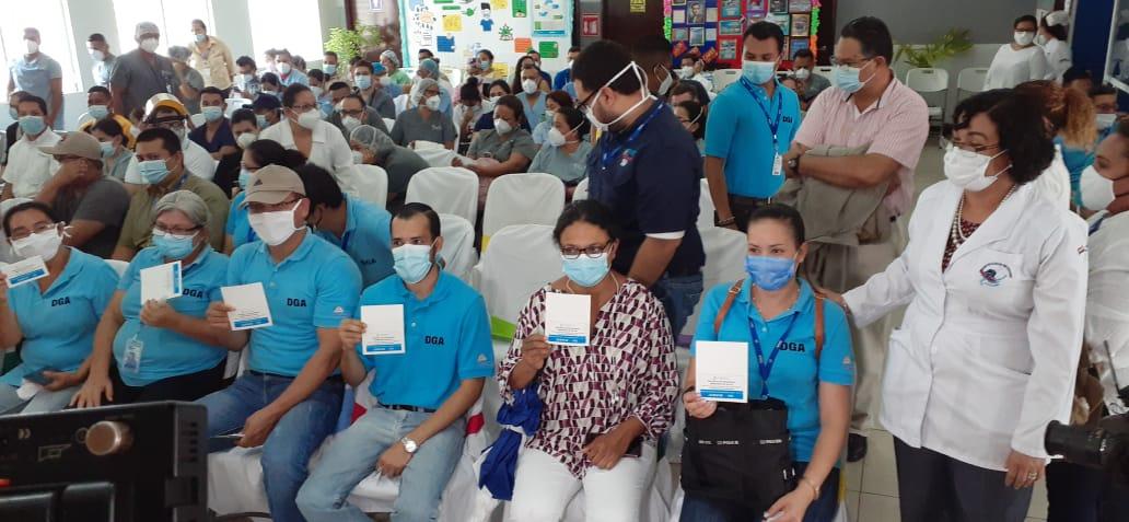 Avanza plan de vacunación contra la Covid-19 para personal de salud