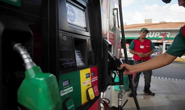 Baja precio del combustible en Nicaragua