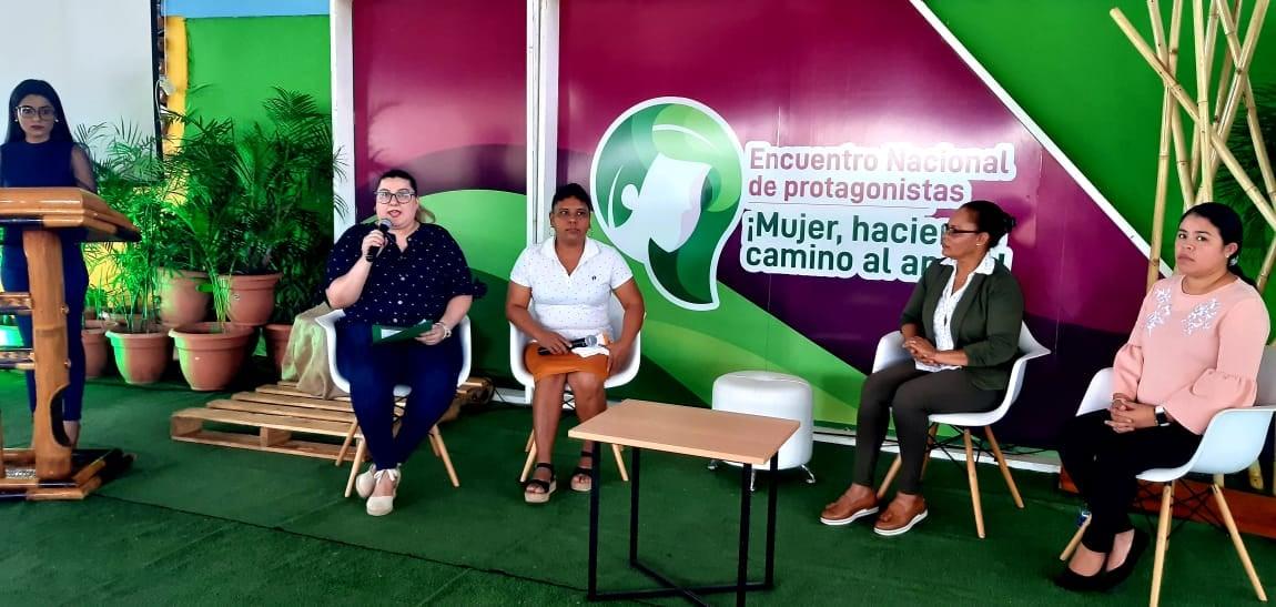 Beneficiados del programa de Microcréditos en el Campo comparten experiencias