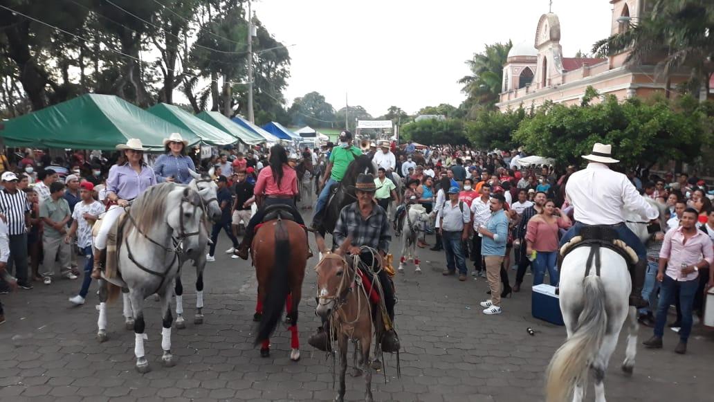 Con desfile hípico finalizan las fiestas en Dolores, Carazo