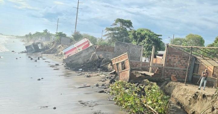 """Gobierno de Nicaragua atiende emergencia """"mar de fondo"""" en Corinto"""