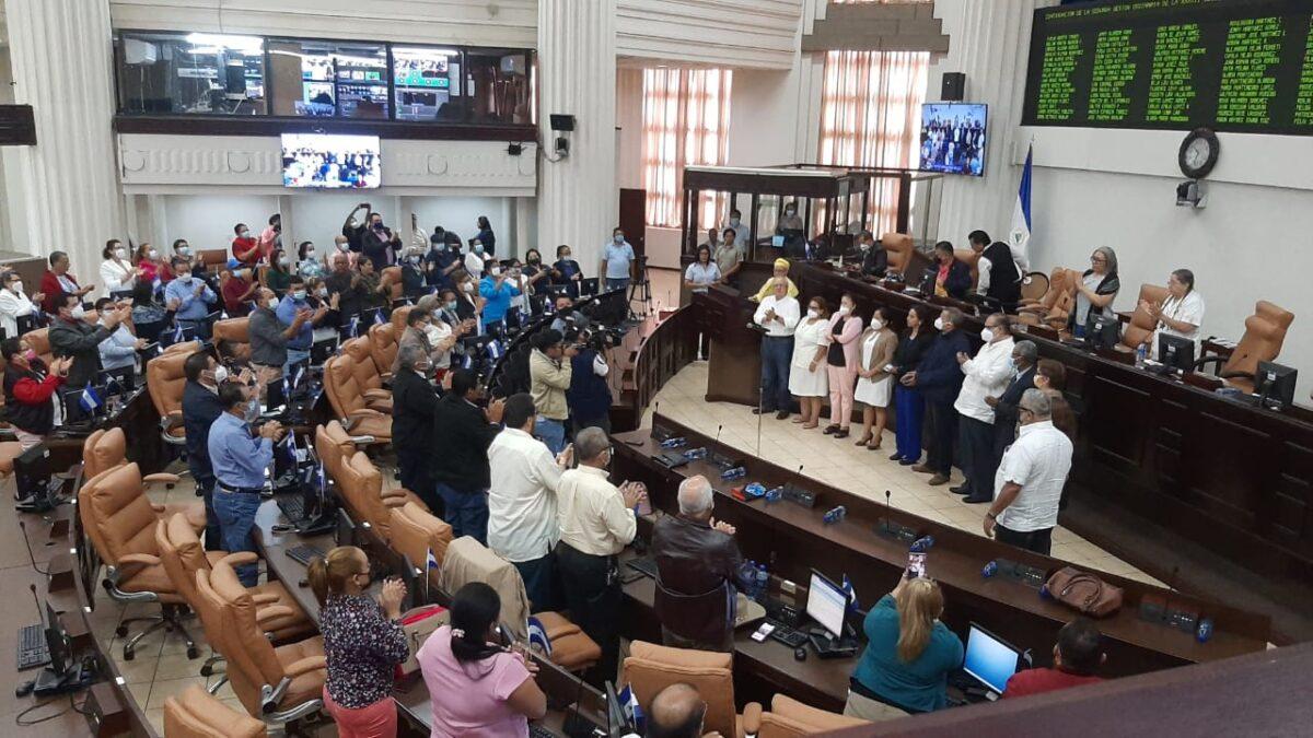 Juramentan a magistrados electorales y toman en posesión de sus cargos