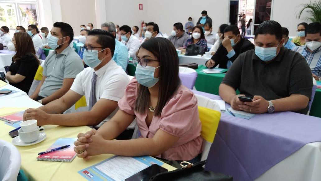 Médicos especialistas comparten conocimientos en lll Congreso Nacional de Nefrología