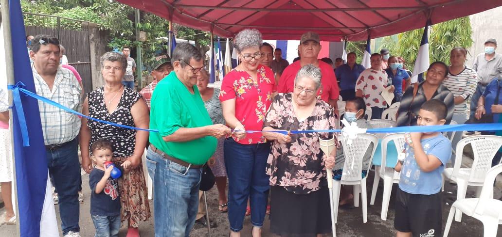 Nuevas calles pavimentadas se inauguran en Santa Teresa, Carazo