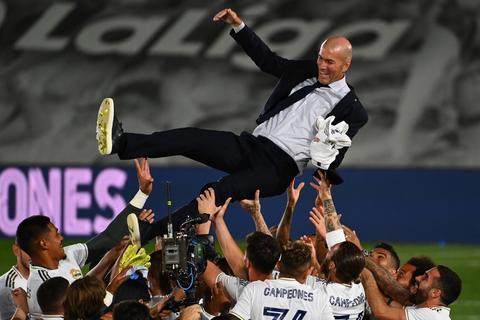 Oficialmente Zidane deja de ser entrenador del Real Madrid