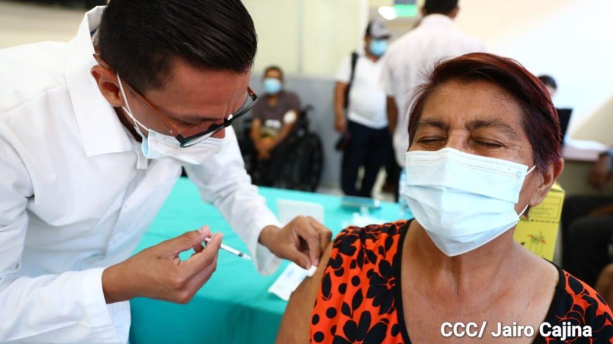 Nicaragua: 7 de mayo vacunación contra Covid-19 avanzará con mayores de 55 años
