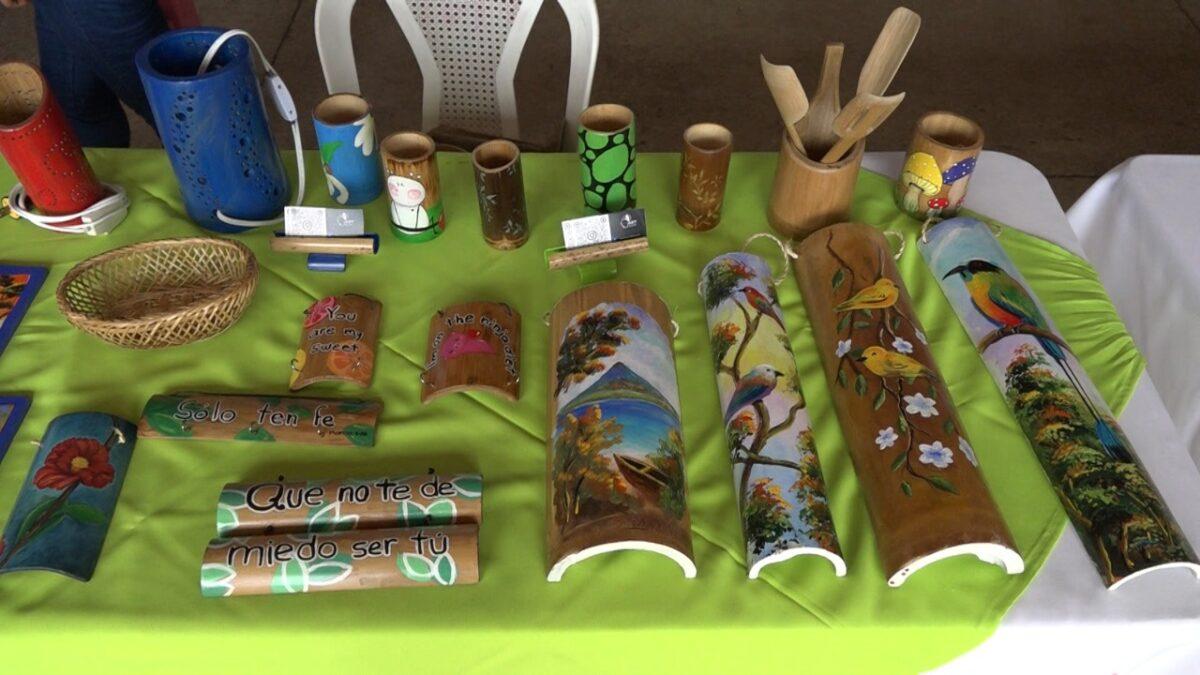 Artesanías de bambú, una nueva forma de expresar el arte