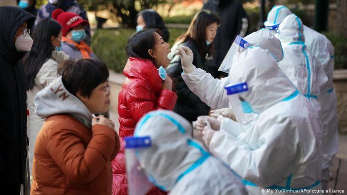 Aumentan medidas de seguridad tras rebrote de Covid-19 en China