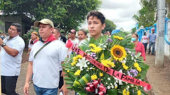 Carazo rinde homenaje al joven Kevin Cruz