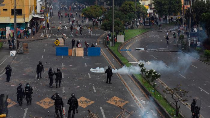 Colombia: represión policial en Cali deja al menos un muerto y 20 heridos