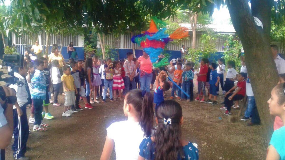 Comunidad educativa celebra el Día Internacional del Niño