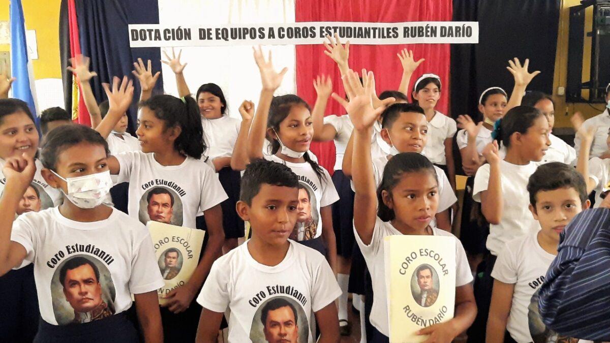 Mined equipa coros estudiantiles en los municipios de Nueva Segovia
