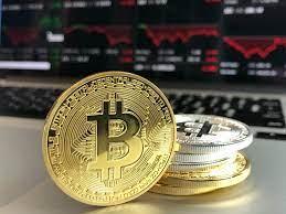 Economista crítica al bitcóin y asegura que su valor es igual a cero